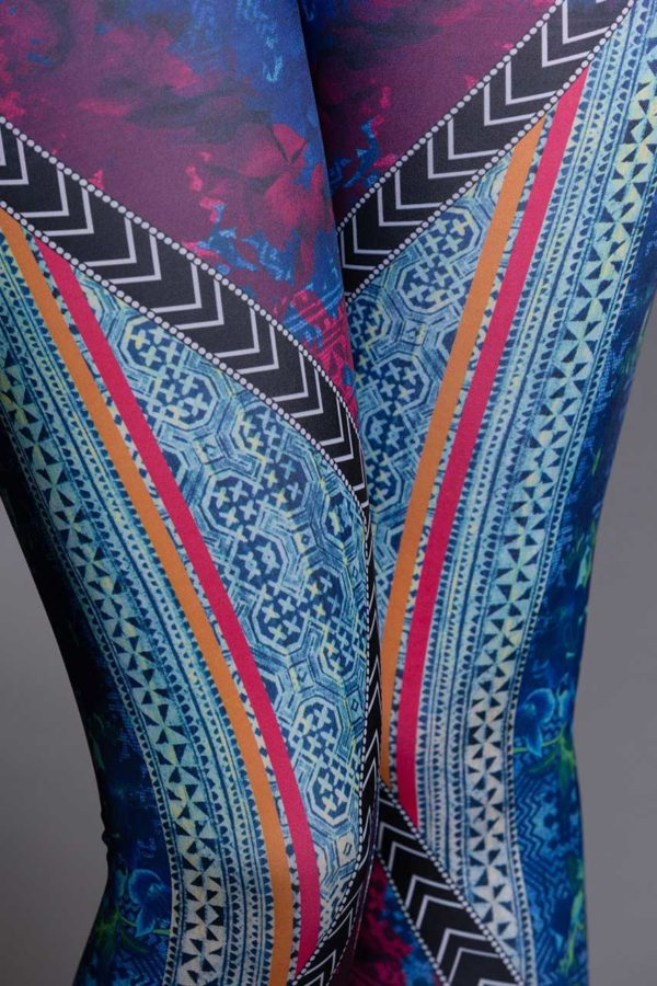 Onzie Graphic Leggings - Indo Closeup