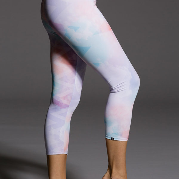 Onzie Capri Pant - Candy Cloud