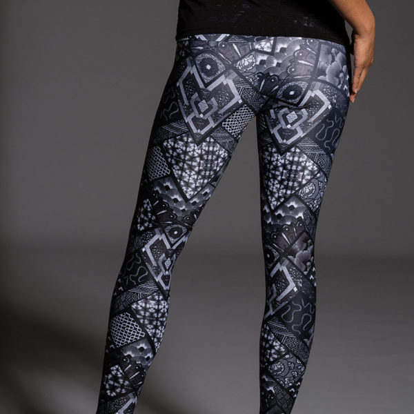 Onzie Long Legging - Noir Pose